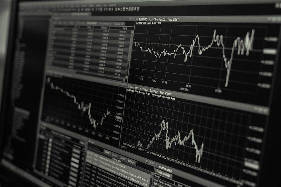 """השקעות במניות בחו""""ל – כל היתרונות"""