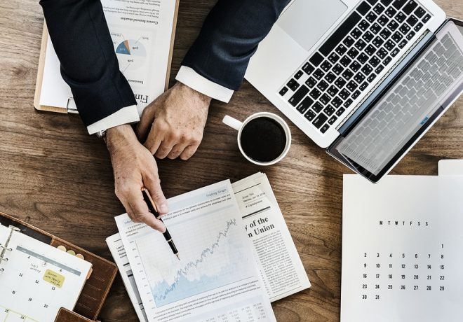 באילו בתי השקעות כדאי להשקיע עם מניות?